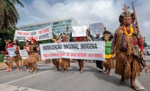 Decreto de Bolsonaro com mudanças na saúde indígena dispara alerta no movimento indigenista