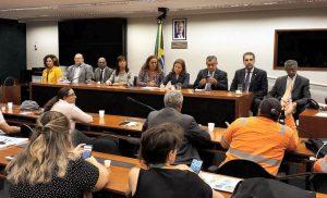 Defesa da democracia marcará atos pelo Brasil dias 8, 14 e 18 de março